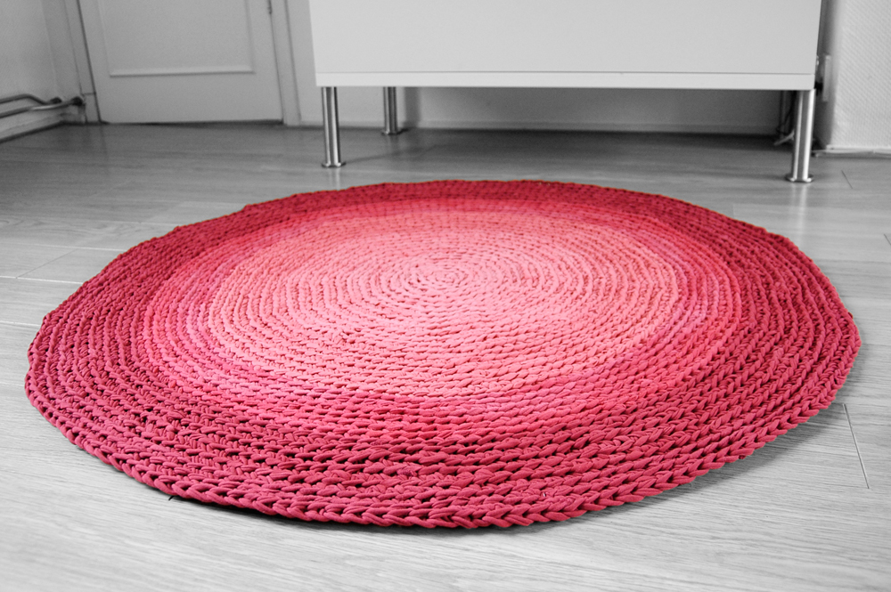Add Some Color To Your Floor With These Rugs Beautiful