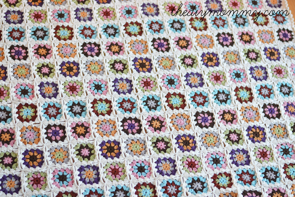 Granny-Square-Baby-Blanket-by-The-DIY-Mommy-9