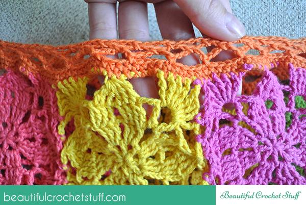 crochet-poncho-neckline